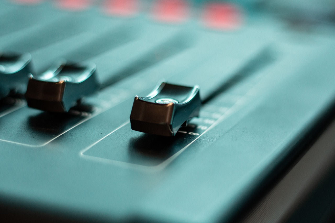 DJ console for beginners